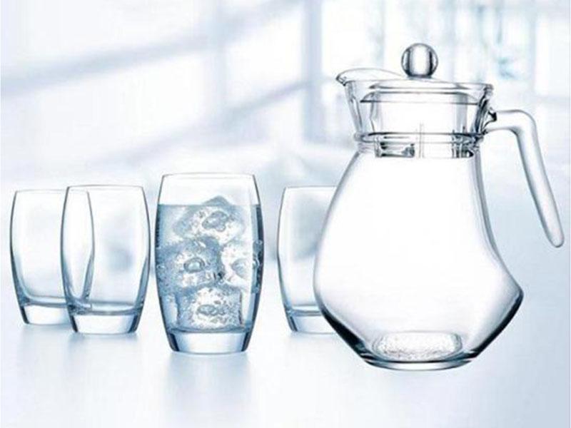 Bộ bình ly thủy tinh Wavy Salto 1,3L kèm 4 lyBộ bình ly thủy tinh Wavy Salto